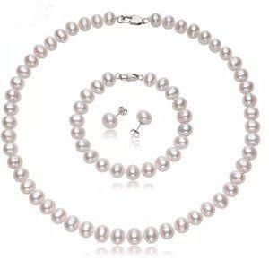 Beautiful Freshwater Pearl Jewelry Set